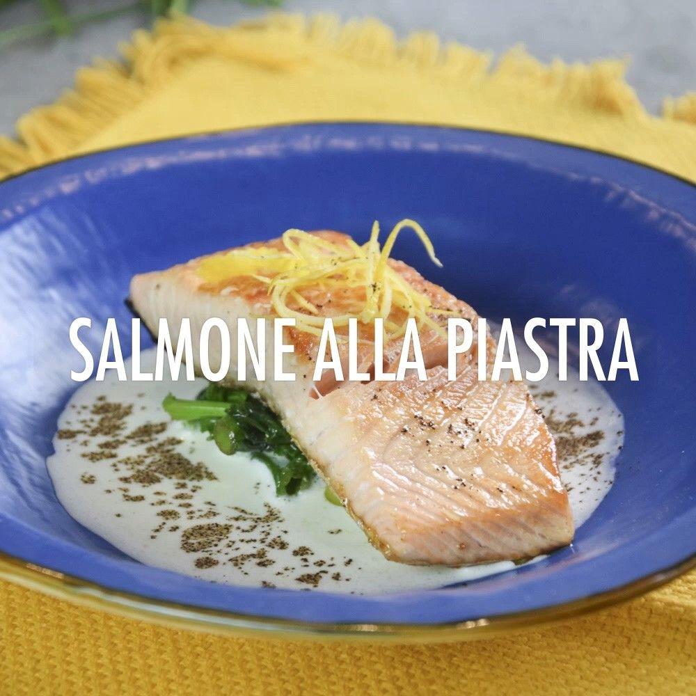 salmone alla piastra con salsa all'aglio dolce , biete e caffè