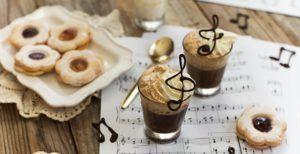 Caffè viennese con cioccolato
