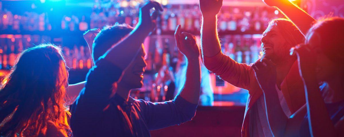 Amato Idee originali per organizzare serate a tema in un bar | Caffè  FZ97